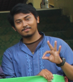 Identitasku adalah mahasiswa Universitas Negeri Jakarta