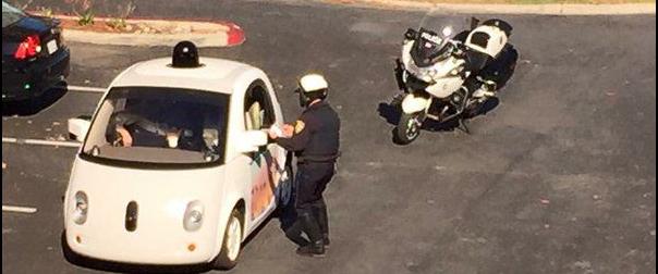 Policía intenta multar auto Google sin piloto por ir lento