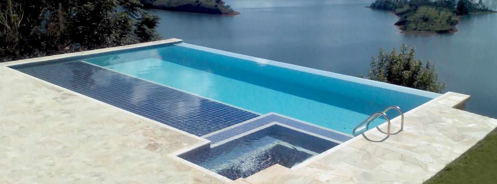 Piscina de azulejo piscina de concreto e piscina de alvenaria for Modelos de piscinas campestres