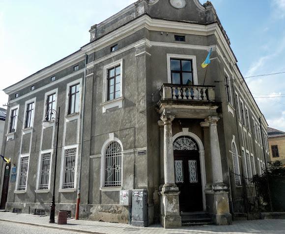 Золочев. Районный суд