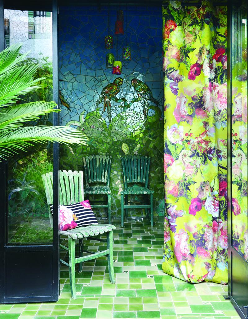 atelier anne lavit artisan tapissier d corateur 69007 lyon jean paul gaultier arrive l. Black Bedroom Furniture Sets. Home Design Ideas