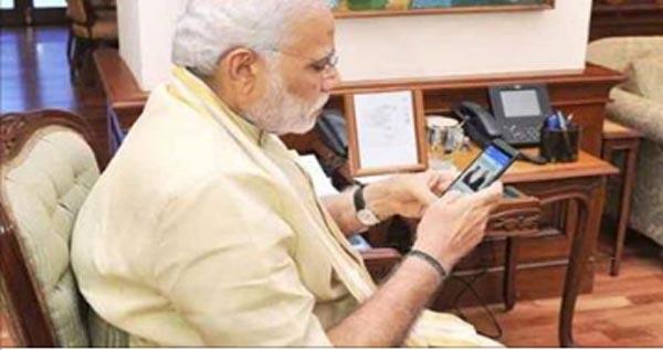 देश की जनता के लिए सबसे बड़ी खुशखबरी - मुफ्त में ये शानदार स्मार्टफोन देगी मोदी सरकार