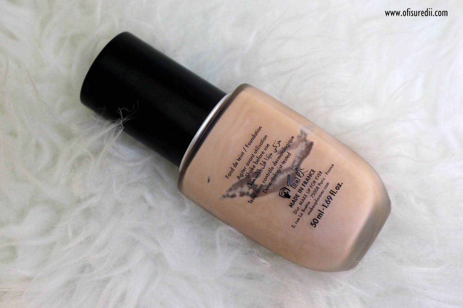 I chose shade Y305, If I'm not wrong there are 20 shades available but in sephora.co.id is only available 7 shades.