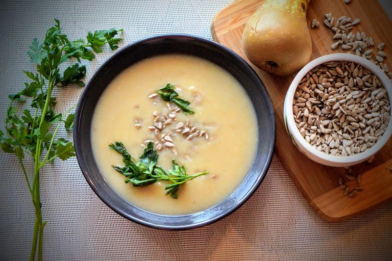 Zupa krem z selera i gruszki