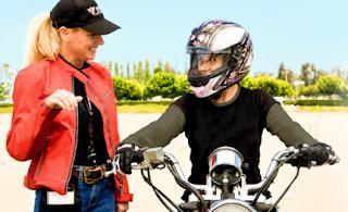 Belajar menunggang motosikal