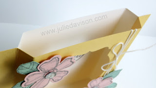 VIDEO Tutorial for Stampin' Up! Birthday Blossoms Diorama Card #stampinup www.juliedavison.com #birthday