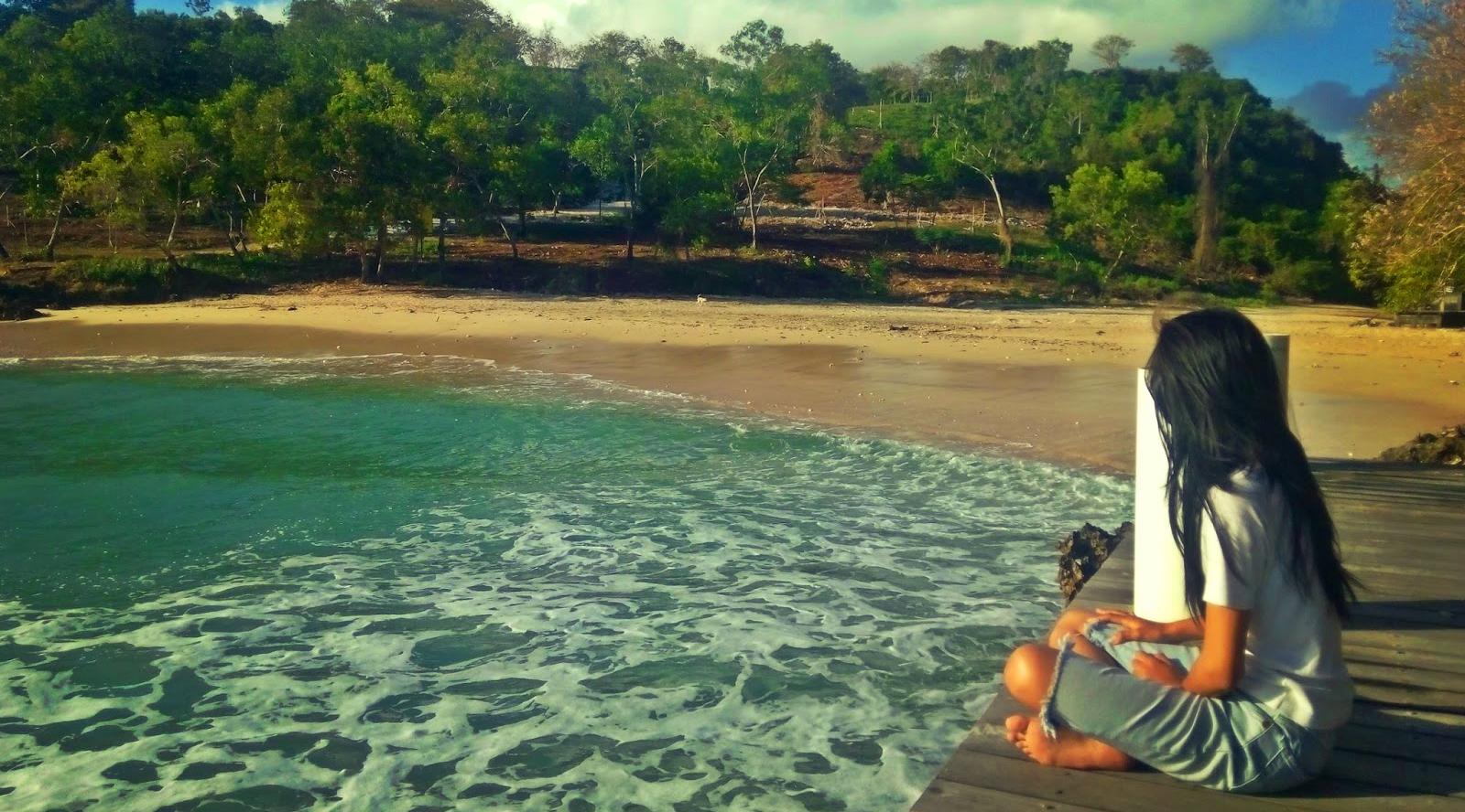 Cewek cantik dan manis di Pantai Pondok Pemuda Jimbaran