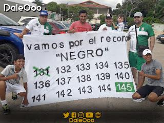 Refineros brindaron su apoyo a José Alfredo Castillo para que sea el máximo goleador de Oriente Petrolero - DaleOoo