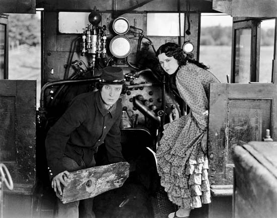 Johnnie Gray (Buster Keaton) with Annabelle Lee (Marion Mack ) in The General