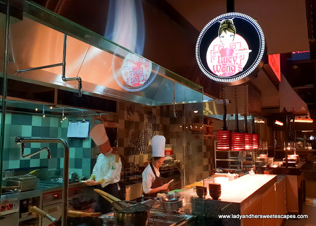 live cooking station in 24th st Dusit Thani