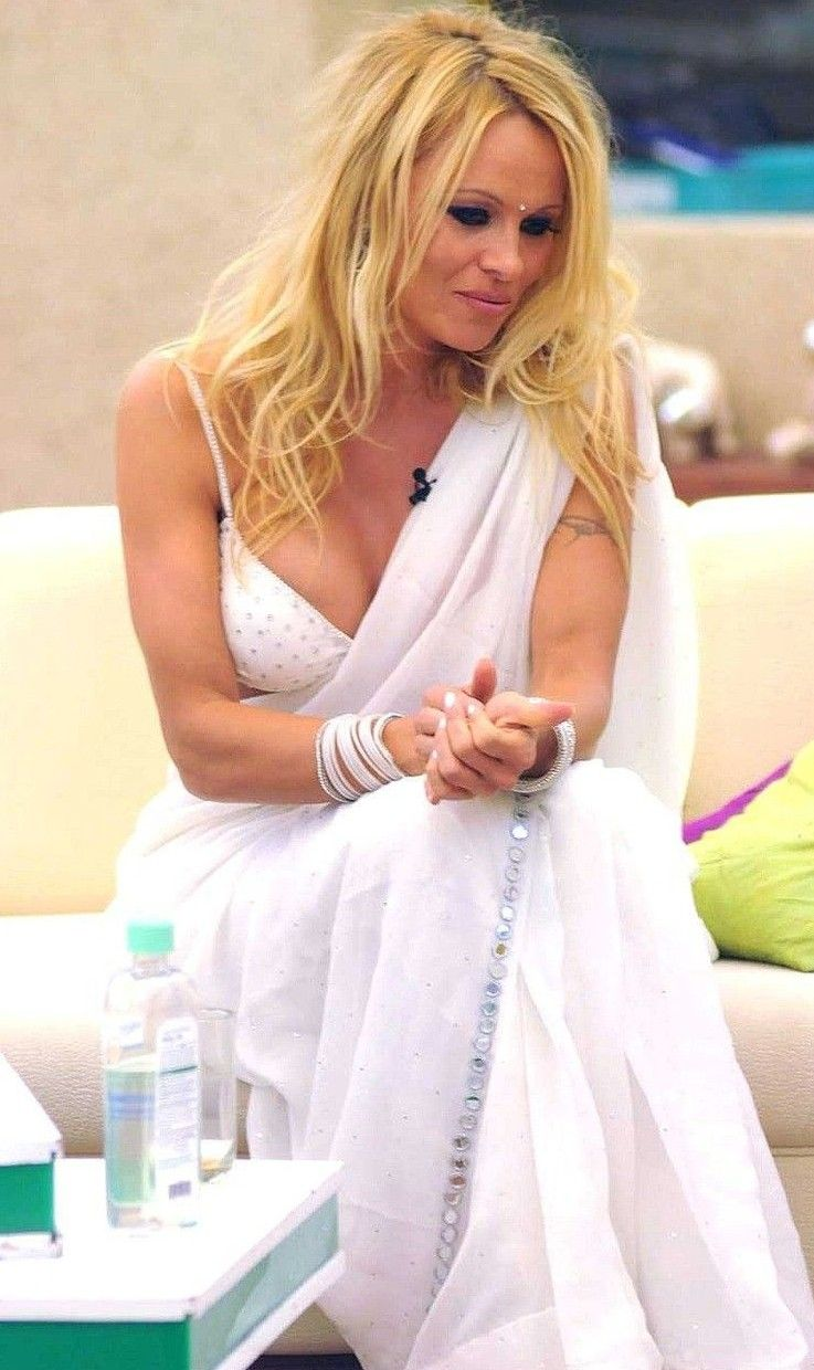 Show Me Nude Pictures Of Pamela Anderson