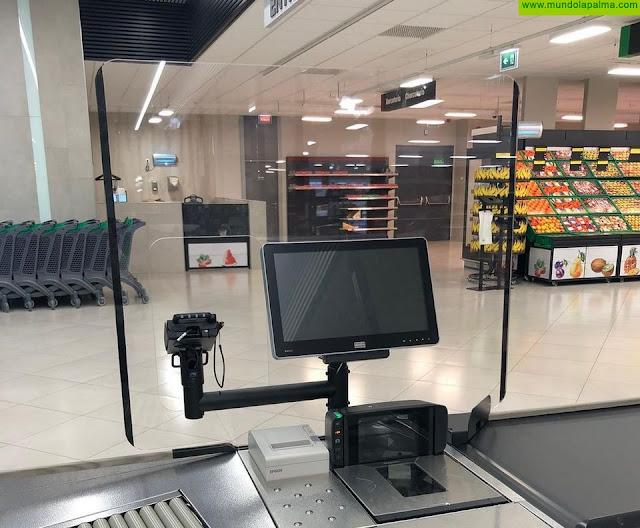 Mercadona instala mamparas en sus cajas y aplica nuevas medidas contra el COVID-19 que entran en vigor hoy lunes