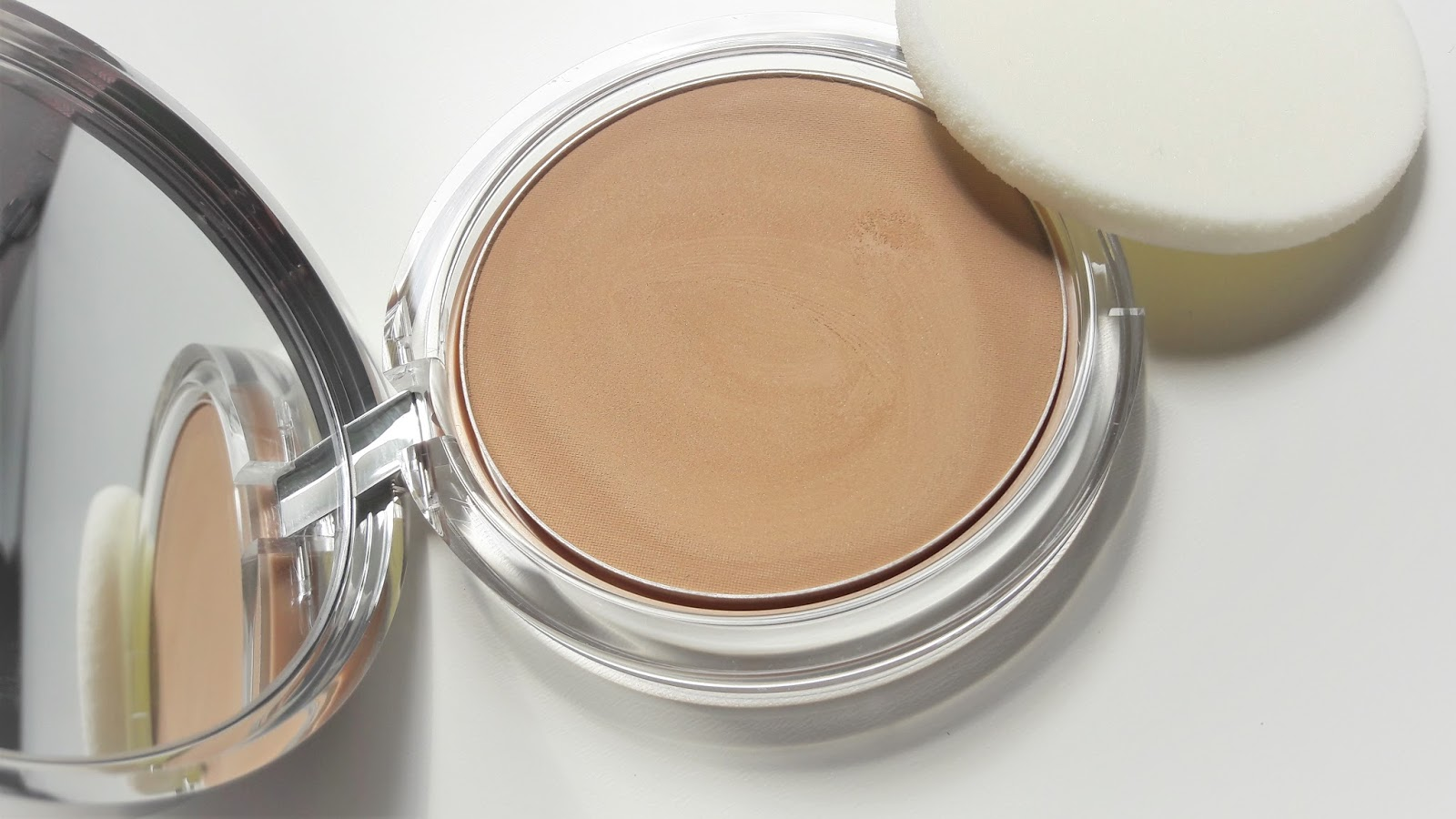 Marketstreet 79: Clinique Almost Powder Makeup SPF 15