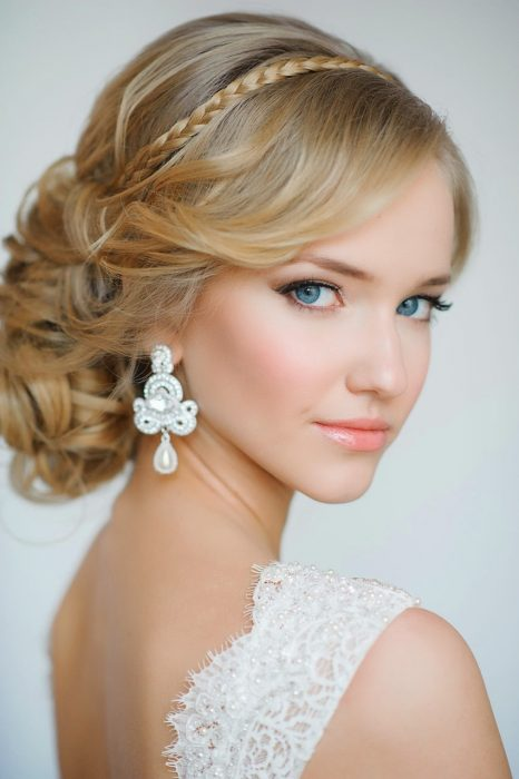 peinados de novias y maquillaje