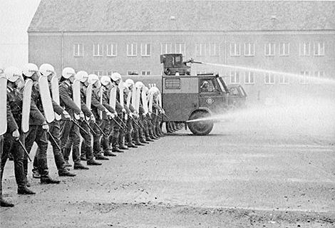 ¤ V1963 ¤ Topic officiel - Page 8 5%2Bbereitschaftspolizei%2B1982