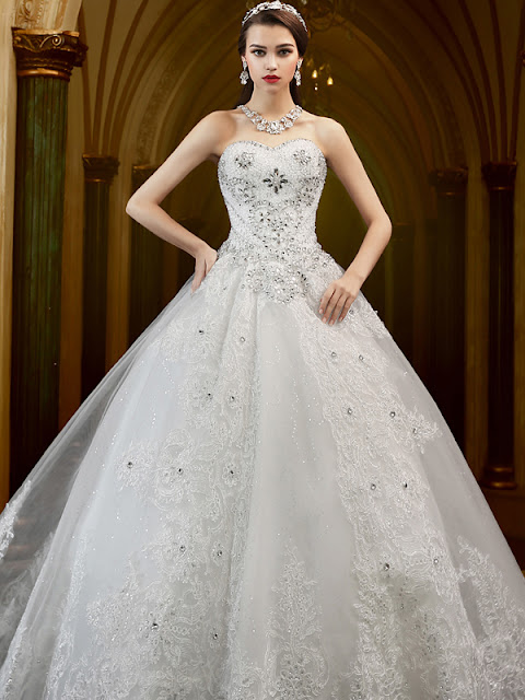 High Quality Sweetheart Crystal Appliques Ball Gown Wedding Dress (11341906)