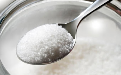 Cara Menghilangkan Bekas Jerawat dengan Gula dan minyak zaitun