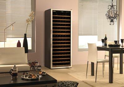 les caves vin d 39 appartement ou armoires vin. Black Bedroom Furniture Sets. Home Design Ideas