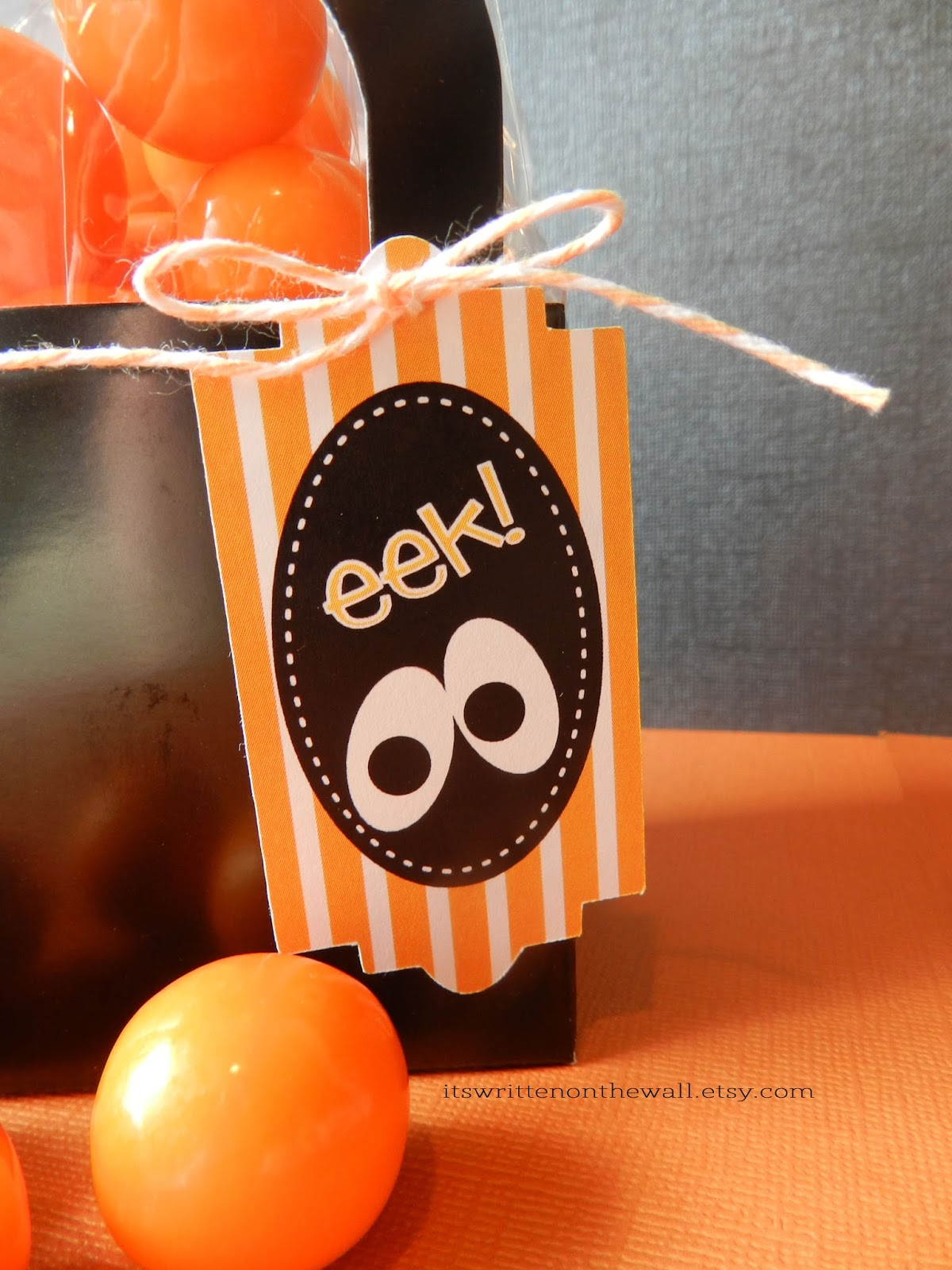 It's Written on the Wall: Halloween Party Favors, Classroom Treat ...