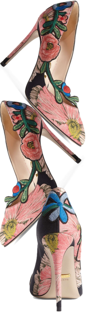 Gucci Ophelia Floral Pump in Black Floral