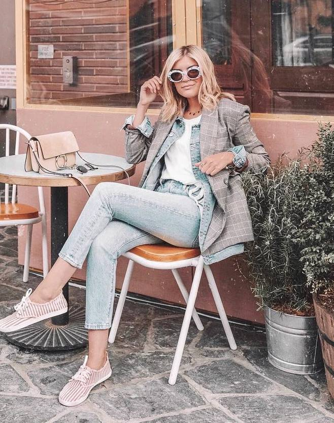 office style perfection / blazer + striped sneakers + jeans + top