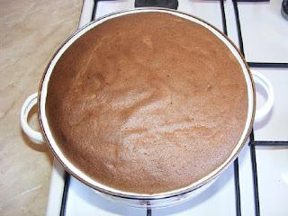 Preparare crema de zahar ars cu pandispan retete culinare,