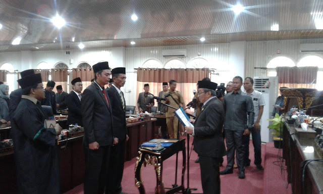 Ketua DPRD Pali Lantik Dua Anggota PAW