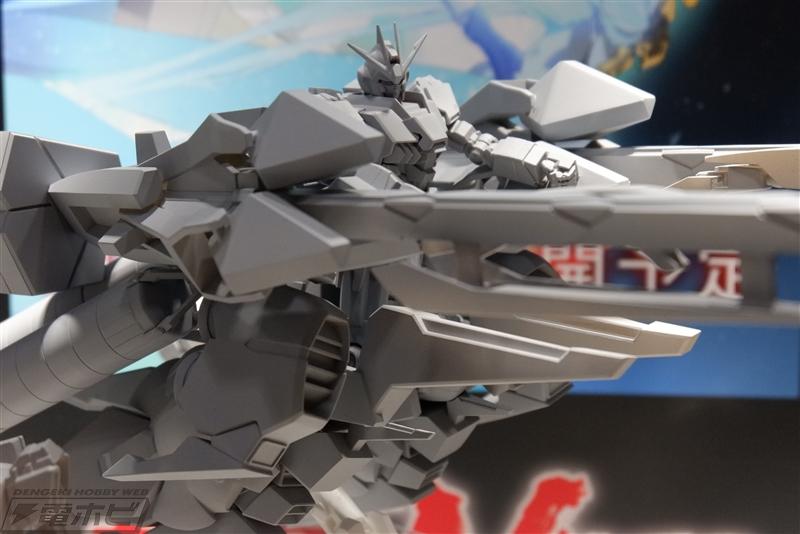 HGUC 1/144 Narrative Gundam + MA