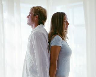 Cara Mengendalikan Emosi Ketika Kesal dengan Kekasih