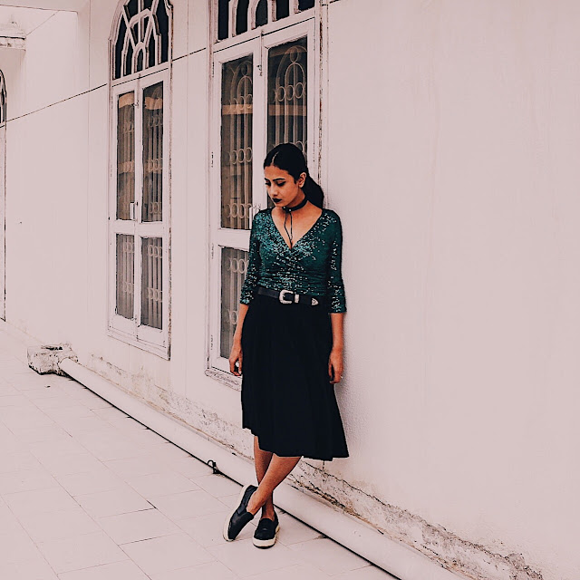 nuebyshani, nuebyshani review, sequin, style sequin, sequin dress, emerald dress, party season, party season essential, western belt, style western belt, choker, velvet choker, style choker, edgy look, dark edgy, jewel tone, slip on shoes, sequin slip on, black midi skirt, must have 2016, 2016 essential items, fashion essential, in built compression, 2016 street style, fresh fashion, 2016 style idea, blogger outfit, 2016 top blogger outfit, festivals style, festivals essential, sequin casual, top indian blog, london blog, uk blog, whowhatwear, style challenge, fall fashion, autumn fashion, autumn style, grunge, 2016 street style, parisian chic, parisian look, party look