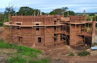 สร้างบ้านดินขนาดใหญ่