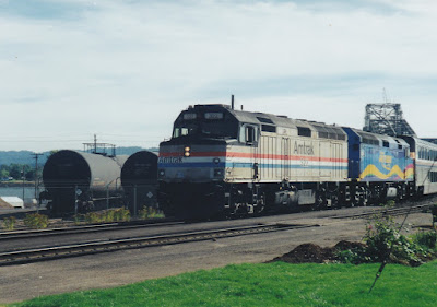 Portland section of Amtrak's eastbound Empire Builder in Vancouver, Washington, on July 23, 1999