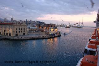 Hafenausfahrt mit MSC Fantasia aus Genua Foto von Stampin' Up! Demonstratorin in Coburg, Susis Basteltipps