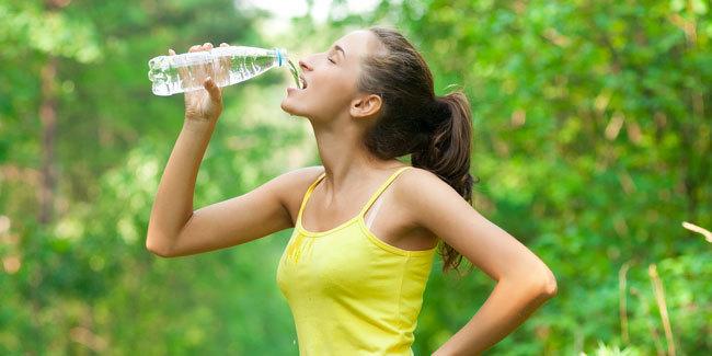 Cara Ampuh Menurunkan Berat Badan dengan Teknik Diet Air Putih