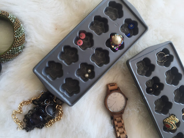 5 Thrifted Jewelry Storage Ideas