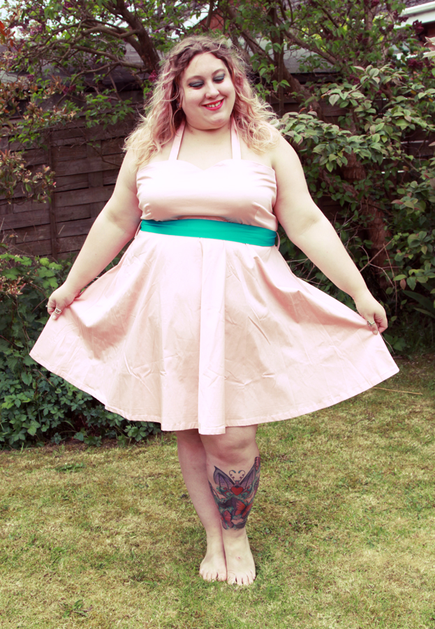 Kitty Rambles A Lot: A Summer BBQ Dress with Dolly and Dotty*