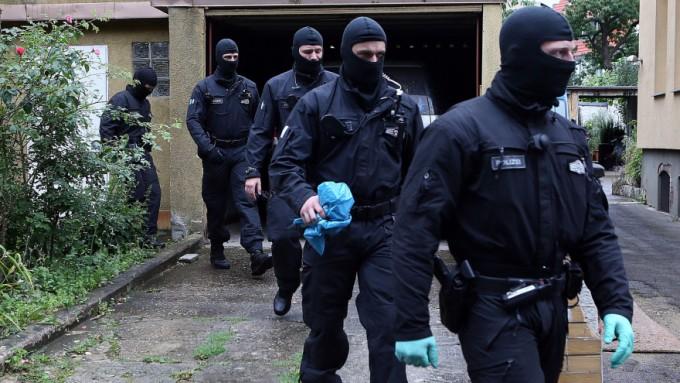 Teroristams sudarytos visos sąlygos laisvai keliauti po Europą ir daryti nusikaltimus