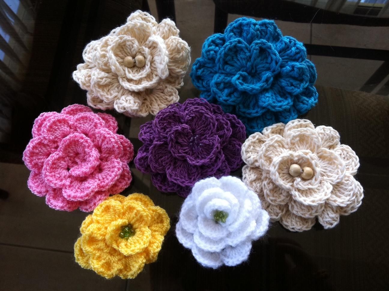 El arte de tejer flores de hilo de algodon tejidas a - Hacer una manta de ganchillo ...