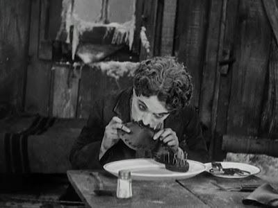 Escena película Chaplin - La quimera del oro