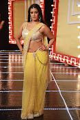 Actress Varalaxmi sizzling pics-thumbnail-2