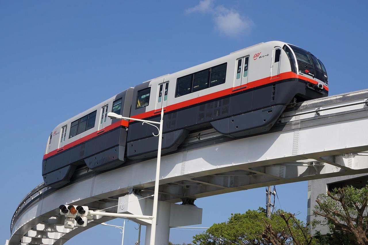 沖繩-交通-單軌-電車-那霸-推薦-自由行-旅遊-日本-時刻表-價錢-票價-搭乘教學-優惠券-省錢