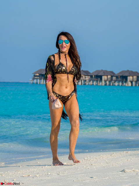 Lizzie Cundy in Golden Printed Black Bikini (1).jpg