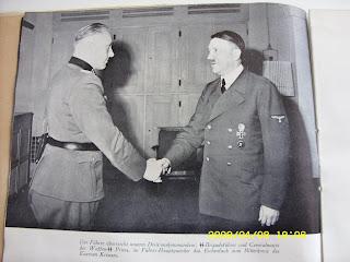 http://3.bp.blogspot.com/-JPVNnE1KNGY/UcrKSB6estI/AAAAAAAAADs/8BIVFT2JdsY/s320/hitler_masonic_handshake_7.jpg