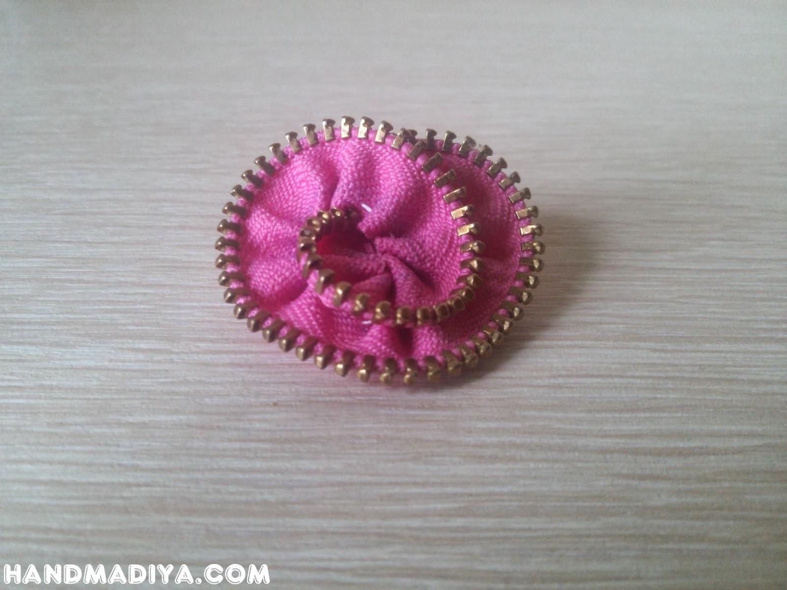 Hair Scrunchy with flower zipper tutorial