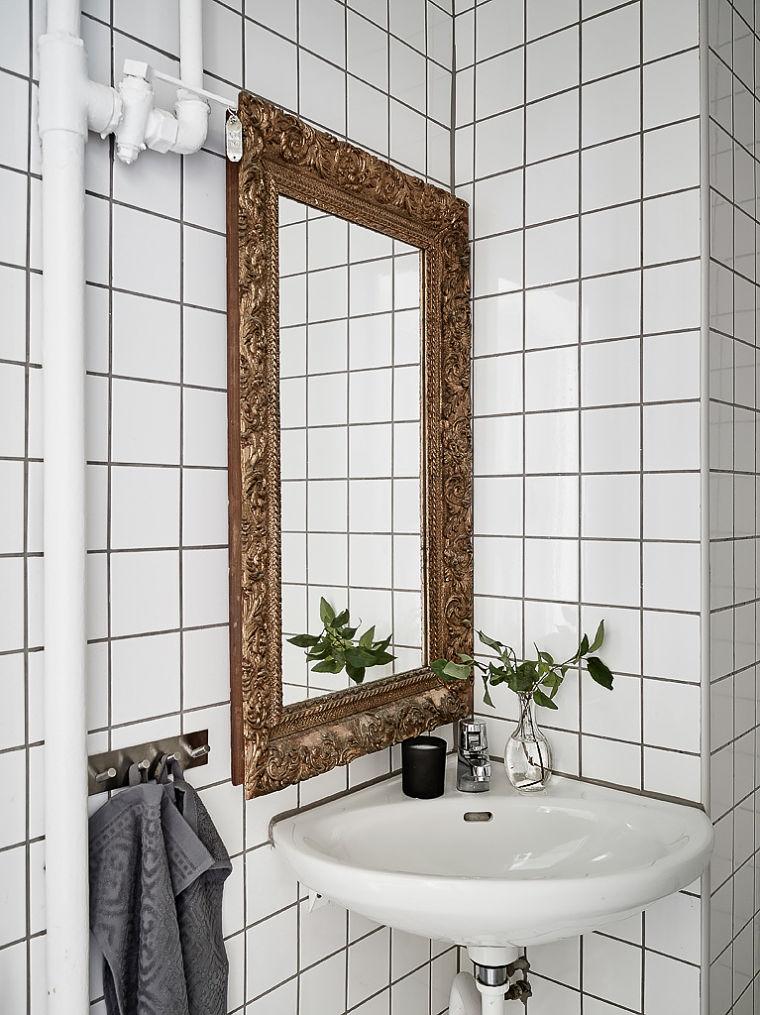 PUNTXET Un hogar luminoso con un dormitorio escondido #decoración #hogar #baños