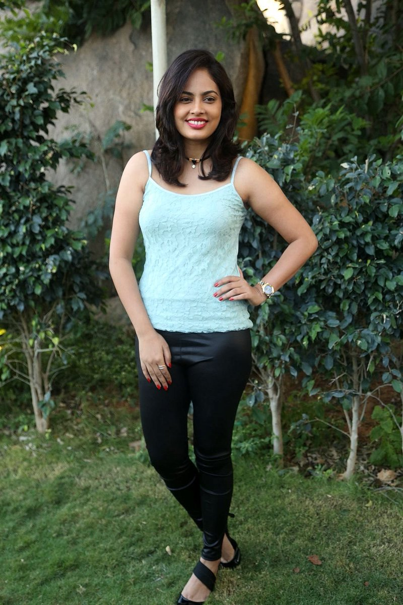 Actress NandithaSwetha Latest HD Images