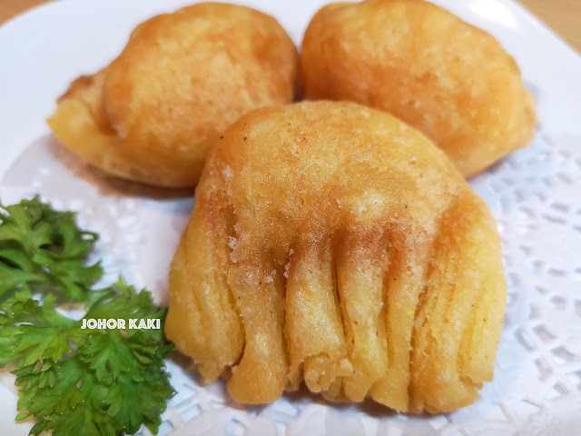 Cha Lao Dim Sum in Holiday Villa Hotel near KSL 茶楼点心