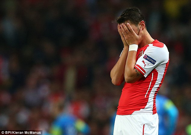 Mesut Ozil Faked Injury Before North London Derby