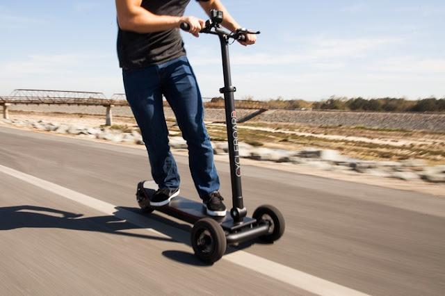 Los patinetes eléctricos se convierten en el medio de transporte alternativo de moda