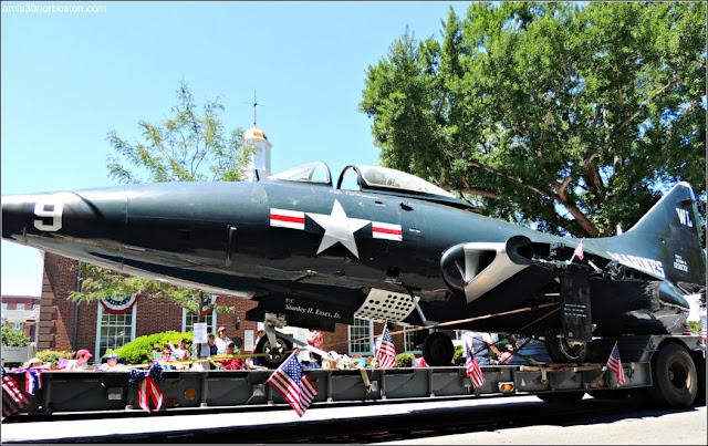 Avión Militar Desfile 4 de Julio en Bristol